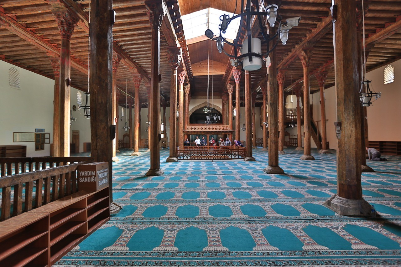 eşrefoğlu camii iç kısmı