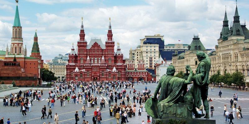 Petersburg ve Moskova